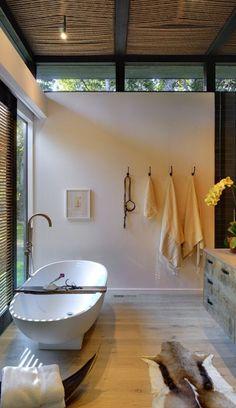 Agape tub / rustic minimalism