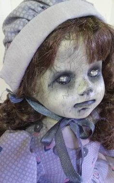 Creepy OOAK Reborn,Horror, gothic Doll Jackie Creepy Baby Dolls, Creepy Kids, Creepy Clown, Creepy Halloween, Halloween Ball, Halloween Crafts, Halloween Decorations, Zombie Dolls, Creepy Monster