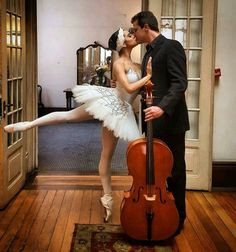 Ballet Inspired Fashion, Ballet Fashion, Ballet Music, Ballet Dancers, Shall We Dance, Lets Dance, Ballet Dance Photography, Spanish Dance, Female Dancers