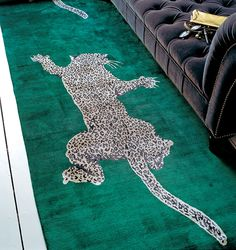 Climbing leopard rug: Diane Von Furstenberg for The Rug Company Leopard Carpet, Leopard Rug, Real Academia Española, Rug Company, Types Of Rugs, Linen Pillows, Modern Rugs, Rugs On Carpet, Carpets