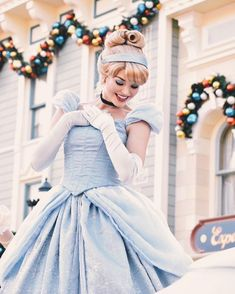 Disney Character Cosplay Have courage, and be kind. Disney Princess Cosplay, Cinderella Cosplay, Disneyland Princess, Disney Princess Cinderella, Disney Cosplay, Disney Princesses, Disneyland Park, Cinderella Dresses, Disney Costumes