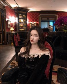 Image in collection by mystyle on We Heart It Pretty Korean Girls, Pretty Boys, Cute Girls, Petty Girl, Ulzzang Korean Girl, Poses, Classy And Fabulous, Hair Looks, Kpop Girls