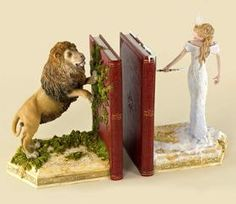 Lion,Witch, and the wardrobe Bookends