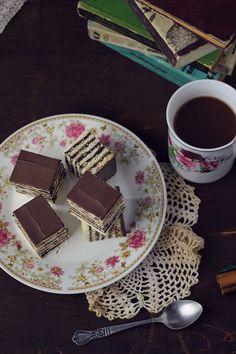 Prajitura cu foi fragede si crema de ciocolata   Pasiune pentru bucatarie