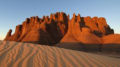 ALGERIA: The Sahara Desert is without doubt the most striking feature of Algeria. The country is said to be 90% in the Sahara desert which is one of the world's largest. This is one nature's magnificent creations in Algeria.