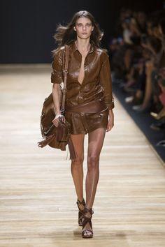 The Most Beautiful Runway Moments From Paris Fashion Week Spring 2016   Barbara Bui