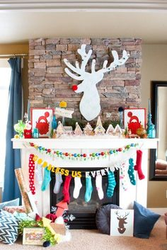 christmas time Colorful and Fun Christmas Mantel featuring DIY Rudolph the Red Nosed Reindeer Art! Diy Christmas Mantel, Retro Christmas Decorations, Christmas Fireplace, Elegant Christmas, Merry Little Christmas, Beautiful Christmas, Simple Christmas, Christmas Home, Christmas Crafts