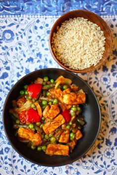 Love me some Indian food! This tofu vindaloo looks awesome!
