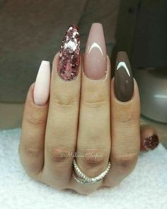 Try some of these designs and give your nails a quick makeover, gallery of unique nail art designs for any season. The best images and creative ideas for your nails. Glam Nails, Hot Nails, Fancy Nails, Beauty Nails, Fabulous Nails, Gorgeous Nails, Pretty Nails, Ballerina Nails, Holiday Nails