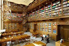 Juristische Bibliothek im Neuen Rathaus