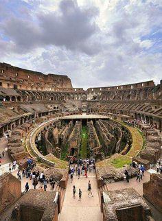 Intérieur du colosseum, Rome, Italie.