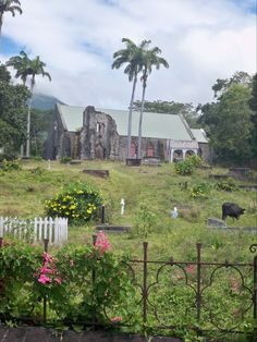 Thomas Jefferson's great grandfather is buried here.  St. Kitts