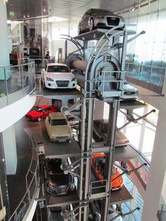 Audi Forum Ingolstadt - cada andar uma época - Viagem com Sabor