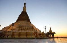 Em Naypyidaw, uma cópia do mais famoso pagode na Birmânia, a ...