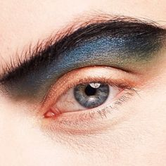 Pinterest - @coppermakeup  Graphic Eye Editorial