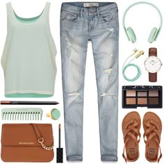 How To Wear Headphones on. World off. Outfit Idea 2017 - Fashion Trends Ready To Wear For Plus Size, Curvy Women Over 20, 30, 40, 50