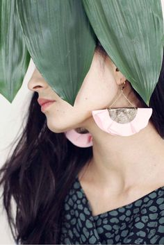 Fun and flirty fan earrings to keep you looking totally cool.