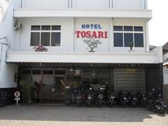 Malang Hotel Tosari Malang Indonesia, Asia Stop at Hotel Tosari Malang to discover the wonders of Malang. The property features a wide range of facilities to make your stay a pleasant experience. To be found at the hotel are 24-hour room service, Wi-Fi in public areas, car park, room service, laundry service. Some of the well-appointed guestrooms feature air conditioning, desk, telephone, fan, internet access – wireless (charges apply). The hotel offers various recreational op...