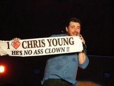 Saw this at his concert! Country Men, Country Girls, Country Music, Young Country Singers, Chris Young Songs, Love To Meet, My Love, Alan Young, Young Family