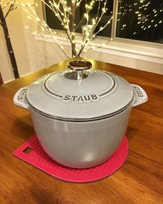LOVE Ikea's magnetic trivet!!! It's perfect for my Staub (large and small). It's also reversible. (Red/gray) I was thinking of getting other magnetic trivet from Staub, but this is perfect. . . Ikeaのマグネット鍋敷きがとても優秀!💖 オススメ! . . . . . . #ikea #myikea #magnetictrivet #loveikea #staub #staubgohan #staubpetitefrenchovengohan #staubpetitefrenchoven #mywilliamssonoma #trivet #staublover #staublife #kitchentools #kitchenlife #instagood #ストウブ #ストウブ炊飯 #staubdegohan #ストウブdegohan #ストウブ大好き #鍋 #雑貨 #インテリア…