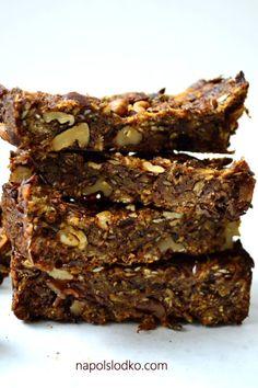 Domowe batony musli z orzechami włoskimi Sugar Free Sweets, Cookies, Food, Diet, Sugar Free Candy, Crack Crackers, Biscuits, Essen, Meals