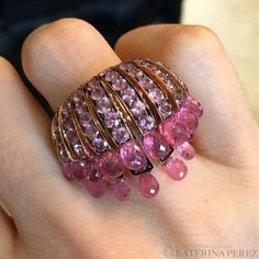 Fireworks of #pink #sapphires in a brand new #cocktail ring by #deGrisogono…