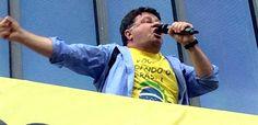 Marcelo Madureira ex-Casseta é hostilizado em manifestação no Rio