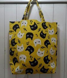 ご覧頂きありがとうございます(^-^)猫柄生地で、トートバッグを作りました                 サイズ      約 横31cm×縦3...|ハンドメイド、手作り、手仕事品の通販・販売・購入ならCreema。