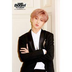 jisung ♡ we boom Rapper, Jisung Nct, Park Ji Sung, I'm Pregnant, Na Jaemin, Album Releases, Love And Respect, Korean Music, Yuta