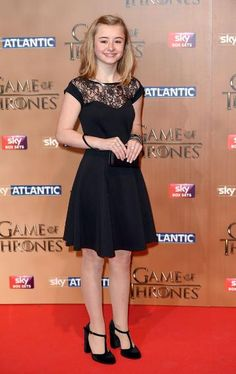 'Game of Thrones' Season 5 London Premiere Red Carpet Arrivals Free Rein Tv Show, Cute Kawaii Drawings, Cute Outfits For School, Netflix And Chill, Tower Of London, Family Movies, Horse Riding, Red Carpet, Fandom
