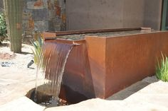 Acero corten en patios y jardines modernos - 34 ideas - Fountain Design, Pool Fountain, Waterfall Fountain, Contemporary Landscape, Landscape Design, Garden Design, Garden Pool, Water Garden, Weathering Steel