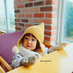 [나눔] 꿈희's 요정모자 (도안첨부) : 네이버 블로그 Crochet Kids Hats, Crochet Baby, Crochet Accessories, Baby Accessories, Gnome Hat, Bonnet Hat, Crochet Winter, Baby Bonnets, Knitting Videos