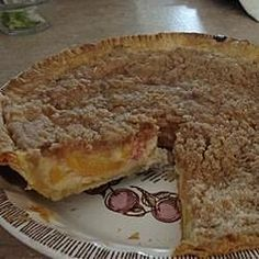 Fresh peach slices are baked in a vanilla-sour cream custard in this old-fashioned crumb-topped pie. Peach Cream Pies, Sour Cream, Good Pie, Cream Pie Recipes, Best Pie, Peach Slices, Dessert Recipes, Baking Desserts, Dessert Ideas