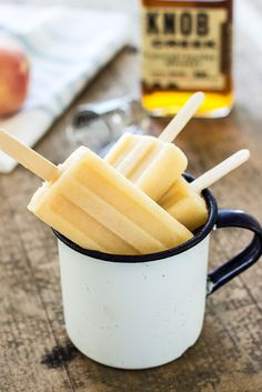 Looking for the best alcoholic popsicles? These recipes for boozy popsicles will make your summer so much better. Champagne Popsicles, Alcoholic Popsicles, Peach Popsicles, Frozen Popsicles, Fruit Popsicles, Homemade Popsicles, Ice Lolly Recipes, Popsicle Recipes, Ice Cream Recipes