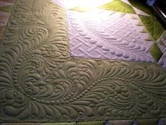 Quilted by Sherry Rogers-Harrison- It Ain't Easy Being Green - more feathers, pearls, wreath, lattice  fantastic! Pattern by the extremely talented longarm quilter,   Ronda K. Beyer.