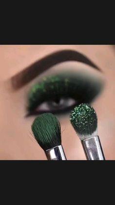Smoky Eye Makeup, Eye Makeup Steps, Makeup Eye Looks, Eye Makeup Art, Skin Makeup, Basic Eye Makeup, Beautiful Eye Makeup, Green Eyeshadow, Eyeshadow Looks