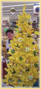 Perfect! John Deere Yellow Christmas Tree | YELLOW | Pinterest ...