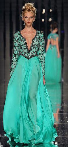 dress/neckline