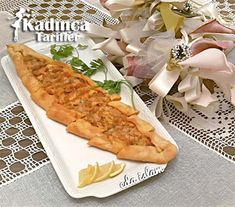 Tavuklu Pide Tarifi Hot Dog Buns, Hot Dogs, Turkish Recipes, Ethnic Recipes, Pizza, Bread, Chicken, Food, Recipes