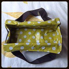 Cadeaux pour cuistots itinérants... sac à cakes et sacs à tartes, tuto couture. http://camdreybricolent.canalblog.com