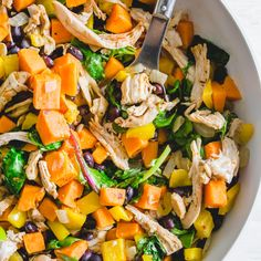 This turkey sweet potato skillet is a healthy way to repurpose leftover turkey (or chicken!) with sweet potatoes, black beans and other Mexican inspired ingredients. Potato Hash Recipe, Sweet Potato Hash, Potato Recipes, Leftover Turkey, Turkey Leftovers, Lamb Ragu, Turkey Enchiladas, Easy Skillet Meals, Leftover Rotisserie Chicken