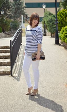 Sun coffee and style. white navy