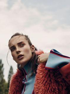 visual optimism; fashion editorials, shows, campaigns & more!: un dimanche au parc: julia bergshoeff by gregory harris for vogue paris august 2015