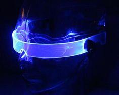 The original Illuminated Cyberpunk Cyber goth visor Iron Man Futuristic Technology, Futuristic Design, Vaporwave, Neon Azul, Cyberpunk Fashion, Cyberpunk 2020, Cyberpunk Girl, Cyberpunk Aesthetic, Aesthetic Grunge