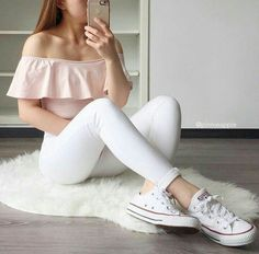 cute girly outfits with jeans Teen Fashion Outfits, Girly Outfits, Cute Casual Outfits, Outfits For Teens, Pretty Outfits, Stylish Outfits, Ootd Fashion, Club Outfits, Girls Fashion Clothes