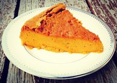 You're getting ready for Thanksgiving and looking for those perfect recipes to make your nearest & dearest happy & healthy, right?! I helped @vidahealthapp come up with a few upgrades for some traditional Thanksgiving dishes & will be sharing them for your cooking pleasure! . First up, your favorite sweet potato pie...sans crust (temp link in bio)! With most pies a significant amount of extra calories and fat come courtesy of that small slice of crust. You won't even miss the crust and extra…