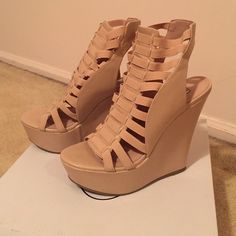 Steve Madden nude wedges Only worn once! Nude wedges with stretchy straps, slip on, super comfy! Steve Madden Shoes Wedges