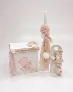 βαπτιστικό κουτί με ζωγραφιά καπέλο και λουλούδια