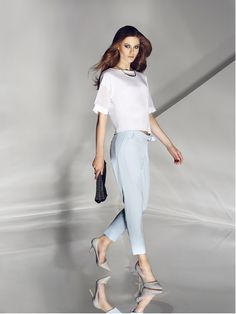 White blouse. Buy here: http://www.mohito.com/pl/pl/kt936-00x/combined-materials-short-blouse Blue pants. Buy here: http://www.mohito.com/pl/pl/kt261-50x/trousers-with-pockets