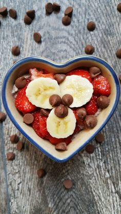 {Healthy, Low Calorie, Gluten-Free, Vegan Options} This super easy banana split chia pudding is great for a healthy breakfast, dessert, or snack!